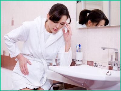 Следует сразу обратиться за помощью к специалисту, чтобы не переросла обычная «голодная» боль в острую