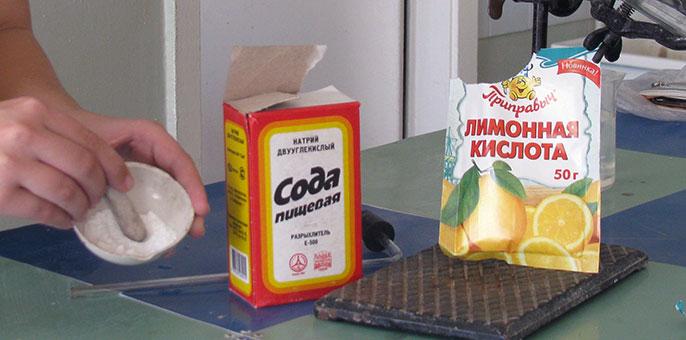 Для приготовления шипучки от изжоги понадобиться: сода, лимонная кислота и сахарная пудра