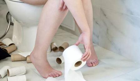 Опасность диареи у взрослых и детей